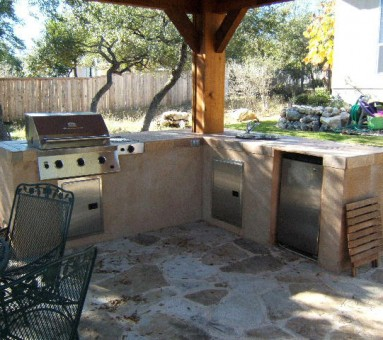 kitchen in the outdoors in the backyard