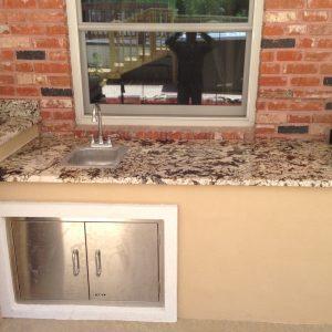 outdoor kitchen set up