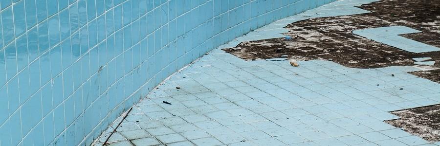 The Importance of Pool Crack Repair - Sanchez Pools